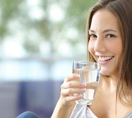 manfaat-minum-air-hangat