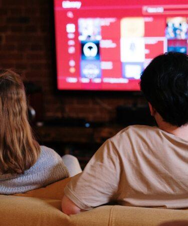 5-Daftar-Situs-Streaming-Film-Bisa-diakses-di-Indonesia.